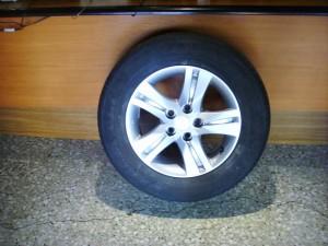 Daihatsu-terios-10-215-65-16