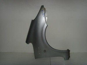 Citroen xsara picasso 99 07 deksi ftero asimi1 300x225 Citroen Xsara Picasso 1999 2007 δεξί φτερό ασημί