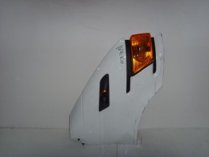 Iveco daily 00 07 deksi ftero aspro 300x225 Iveco daily 2000 2007 δεξί φτερό άσπρο