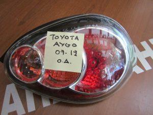 toyota aygo 2009 2012 piso dexio fanari 300x225 Toyota Aygo 2009 2014 πίσω δεξιό φανάρι